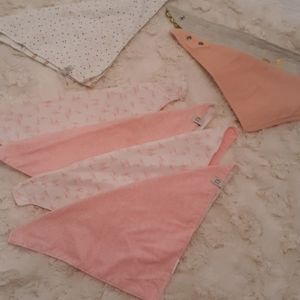 Baby girl bundle of bibs oshkosh pink/white
